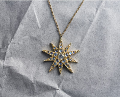George Lifestyle star gold pendant necklace